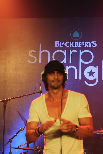 Arjun Rampal - Blackberrys Sharp Nights Jam up at Mehboob Studio