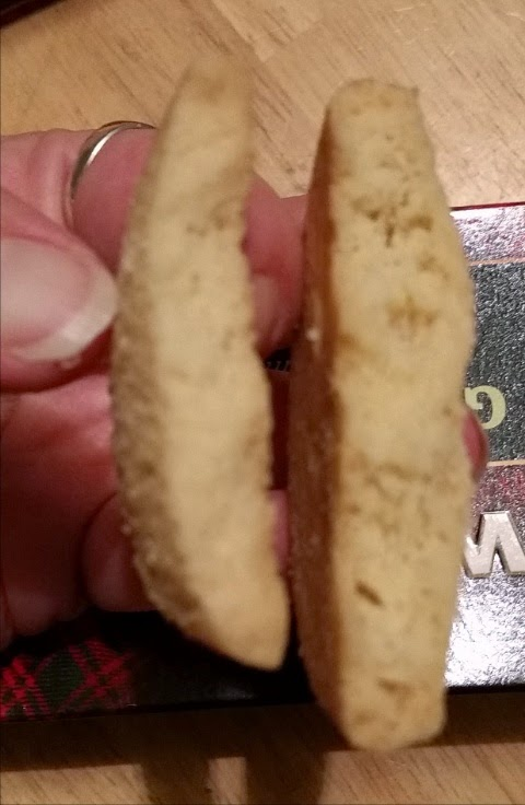 walkers shortbread regular versus gluten free 2
