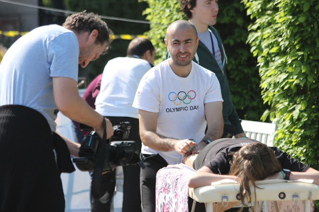 Turneu caritabil de fotbal - Împreună susţinem Hidroterapia. Florin Chindea, maseur oficial al evenimentului. 18 octombrie 2015. Timişoara. Poza maseur