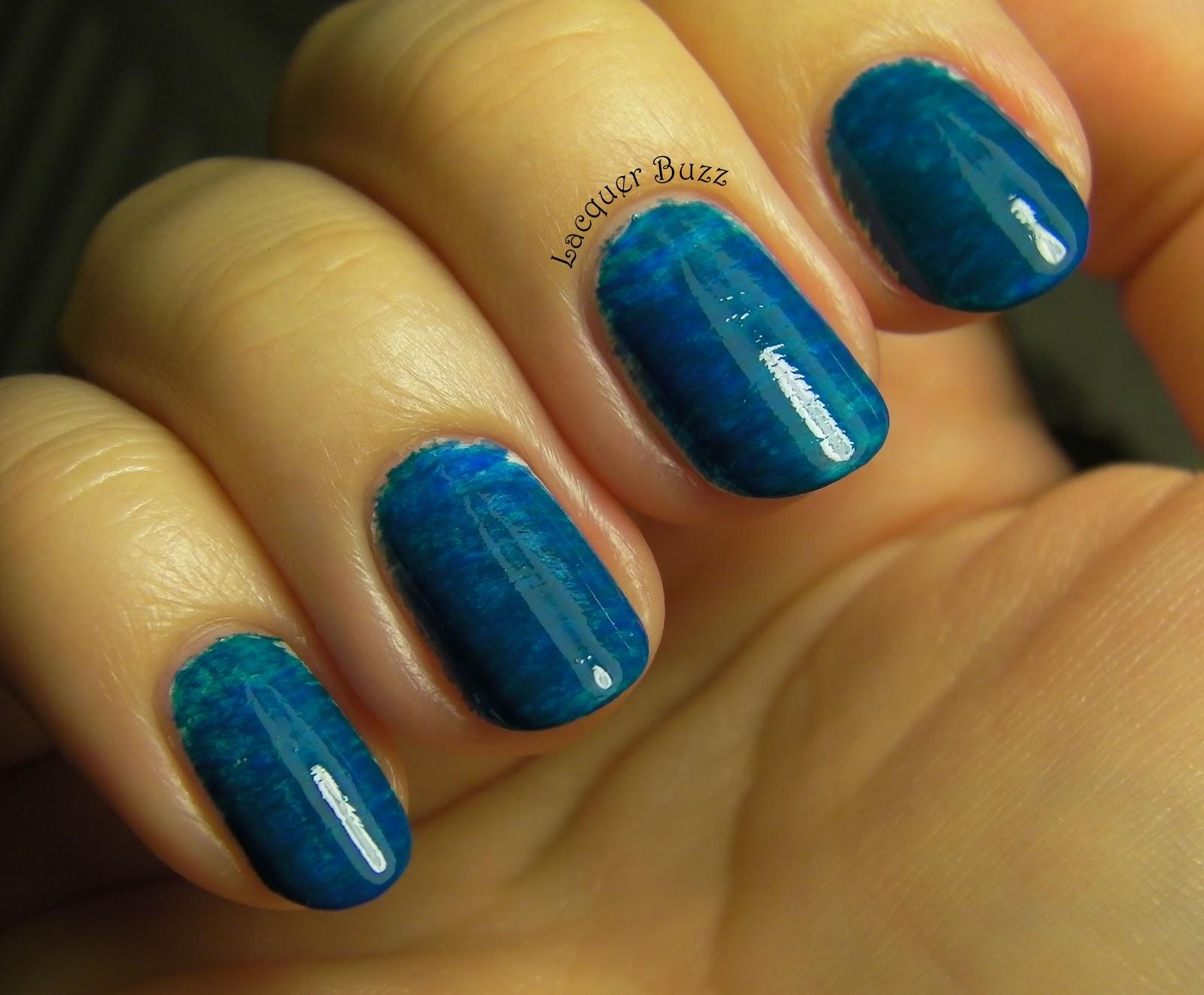 Lacquer Buzz: Monday Blues: Fan Brush Manicure