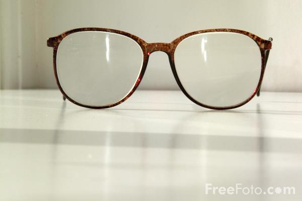 confessions of a not so quotdivaquot mom New glasses : Glasses Spectaclesweb from confessionsofanotsodivamom.blogspot.com size 600 x 400 jpeg 39kB
