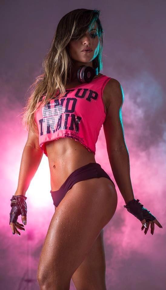Brazilian Fitness Model Alice Matos