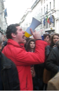 Adepto Possuído do Benfica na Manifestação Que se Lixe a Troika