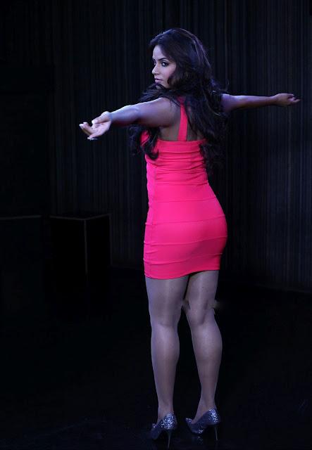 Neetu Chandra Hot Cleavage