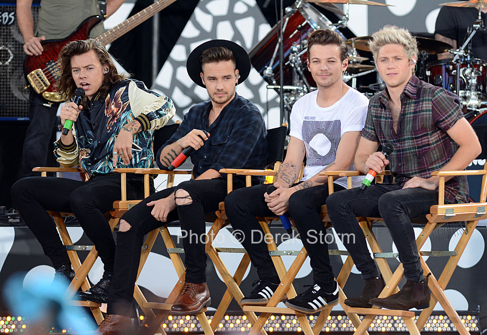 In The News One Direction Performs On Good Morning America