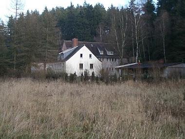 ons huis vanaf de achterkant