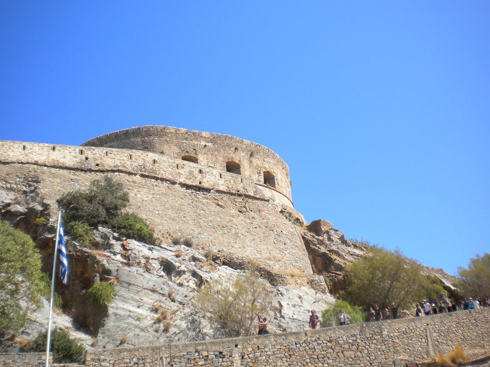 Johncristiani creta spinalonga for La fortezza arredamenti commerciali
