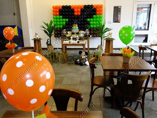 decoracao de festa infantil Mickey Safari rustico