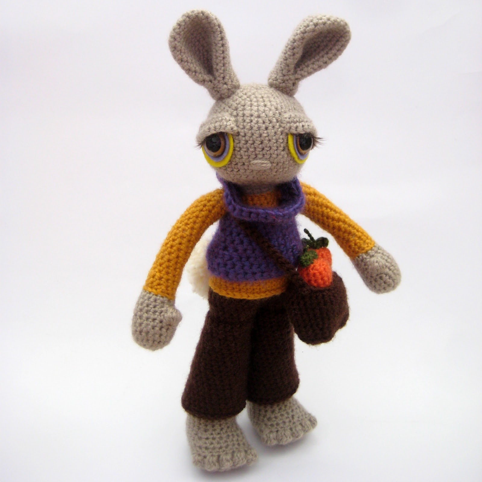 Amigurumi Egg Bunny : out of the frame: Introducing Gertie