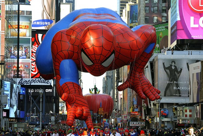 Fun Crawler: Parade on Thanksgiving Day in New York