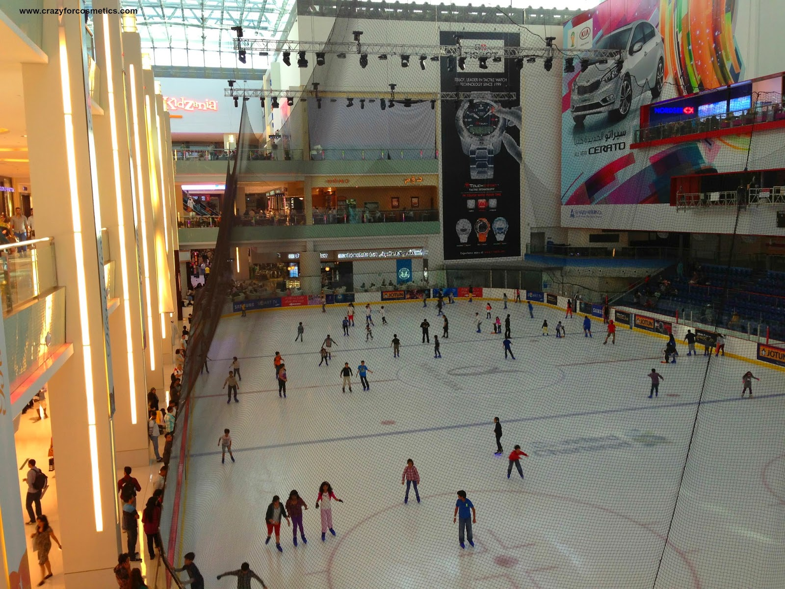 Dubai Mall Shopping-Dubai Mall Entertainment fountain- Mall of EMirates- Ski Dubai- Ice Rink Dubai Mall- Atlantis Palm Jumeira Hotel-Dubai travel blog- Dubai tips