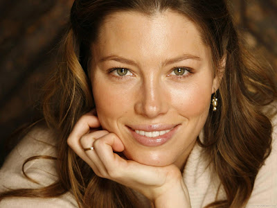 Jessica Biel Hollywood Actress Wallpaper-507-1600x1200