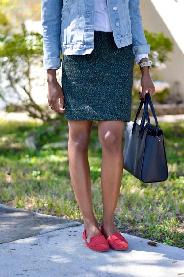 Fall Outfit Ideas | Work Style - Tweed Skirt + Denim Jacket