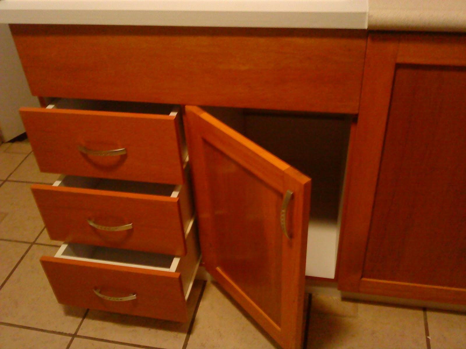 Closets y cocinas integrales residencial cocina integral for Puertas para cocina integral