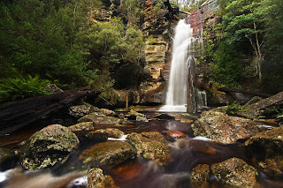 Snug Falls, Snug, Tasmania, Australia. By JJ Harrison (jjharrison89@facebook.com) (Own work) [GFDL 1.2 (http://www.gnu.org/licenses/old-licenses/fdl-1.2.html) or CC-BY-SA-3.0 (http://creativecommons.org/licenses/by-sa/3.0)], via Wikimedia Commons