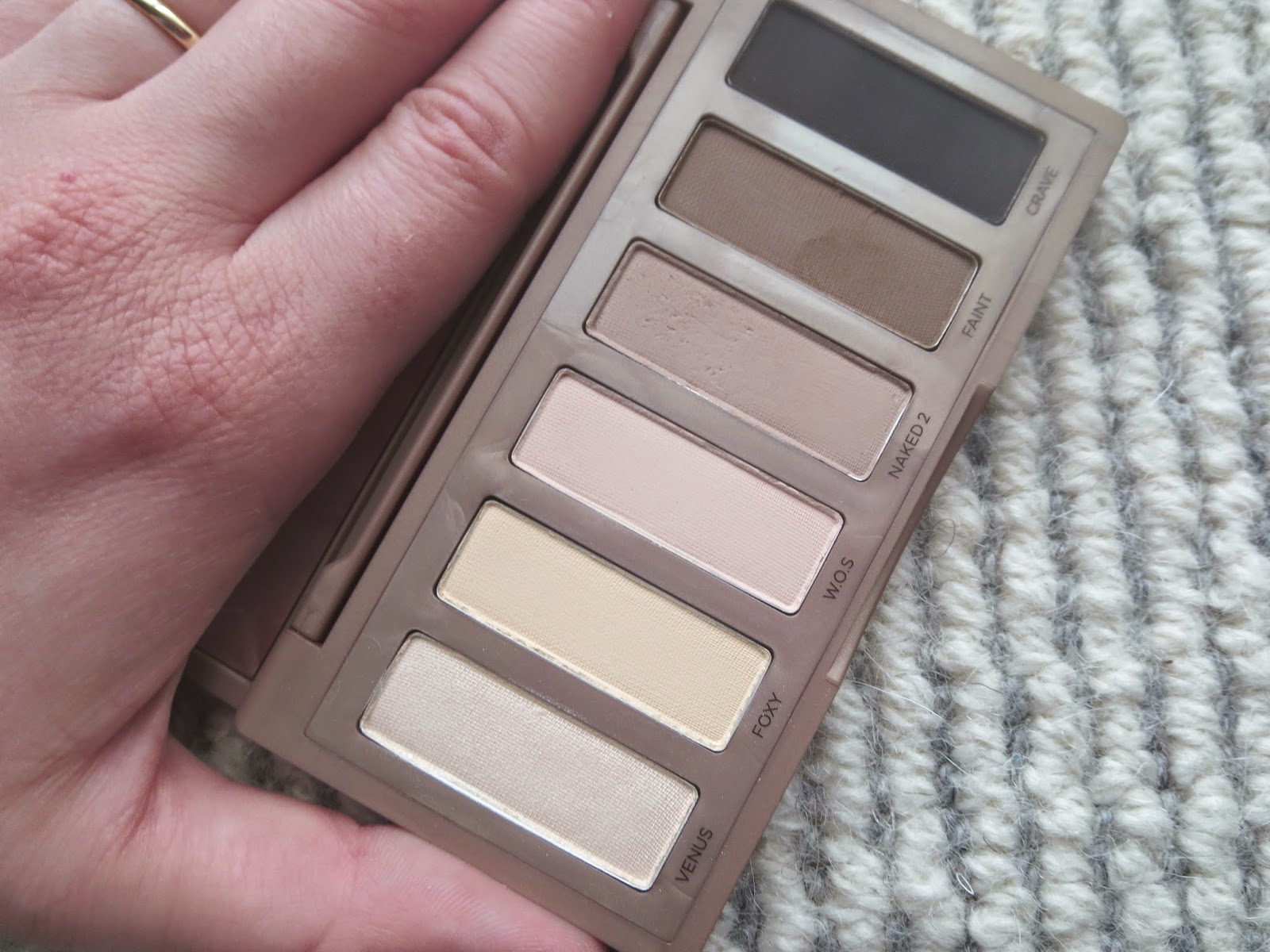 a picture of Urban Decay Naked Basics Palette (original)