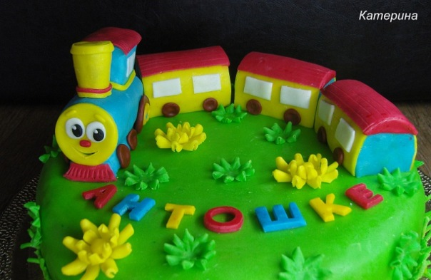 Торт в виде паровоза