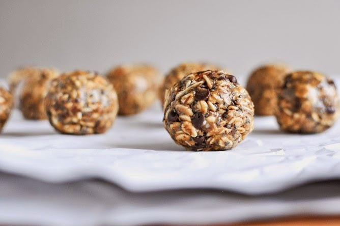 http://imperfectlybalancedbyali.blogspot.com/2014/05/foodie-friday-peanut-butter-honey-oat.html