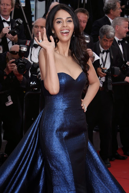 Mallika Sherawat Displays Her Sexy Cleavage As She Attends The 'Macbeth' Premiere At The 68th Annual Cannes Film Festival 2015