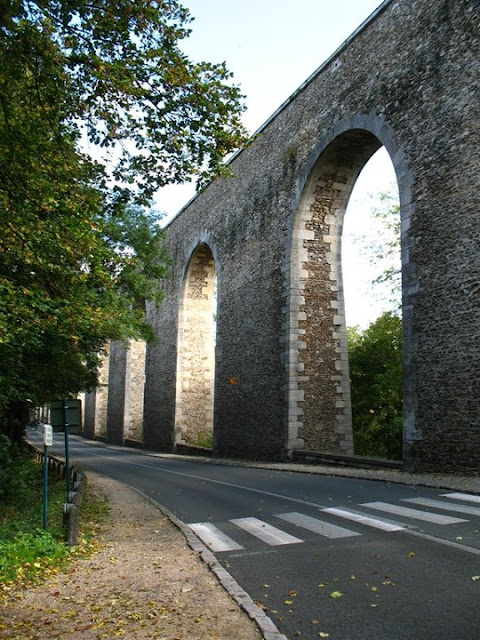 Aqueduc arcades de Buc - De la Zep aux Étoiles