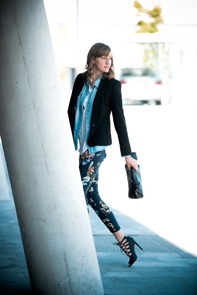 floral pants outfit, layering clothes, lace up heels, style blogger, fashion blog