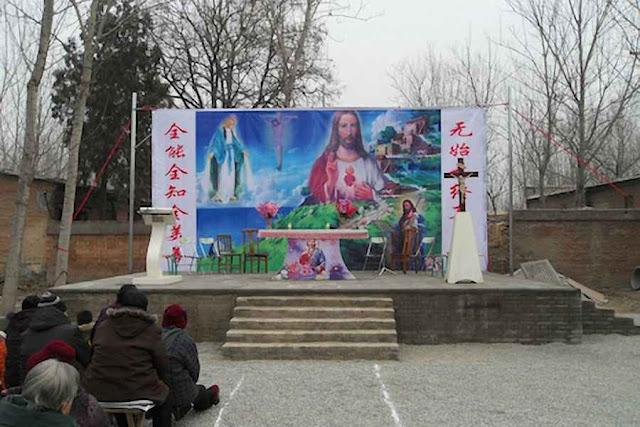 Em Anzhuang: altar 'clandestino' antes de ser destruído pela polícia em 22-05-2015