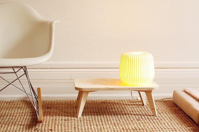 http://3.bp.blogspot.com/-LEHaYRHvTqU/UZk4d6UZhqI/AAAAAAAACyg/hXczjD5uJb8/s1600/Table+eames+lampe+.jpg