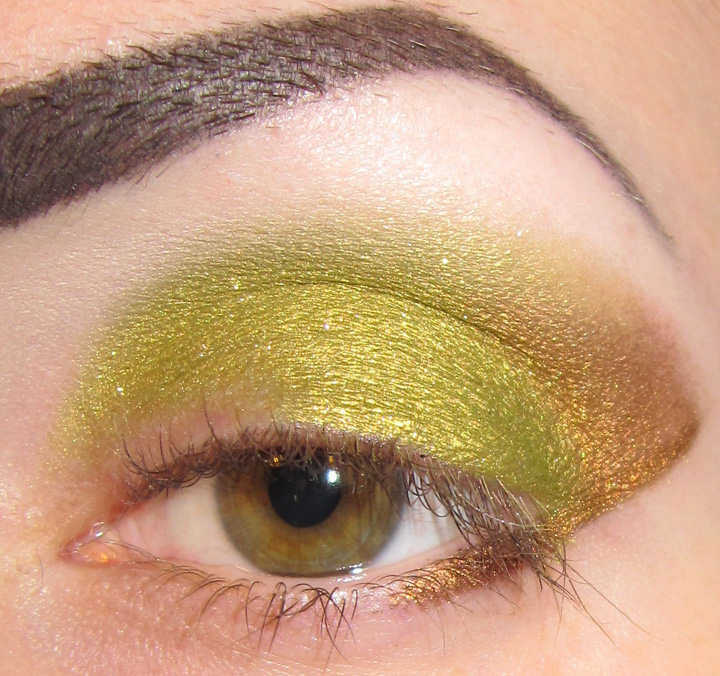 Take a shader brush and apply Morganas Stonekeep to upper lid, blend ...
