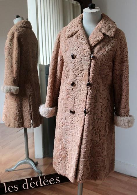 les dedees vintage recup creations petit manteau retro 50 39 s 60 39 s en astrakan caramel. Black Bedroom Furniture Sets. Home Design Ideas