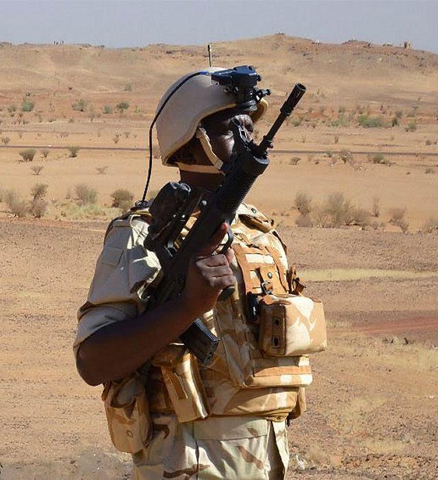 "السودان يختار البندقيه الهجوميه الصينيه QBZ-97 من اجل برنامج "" كومبو "" للتطوير  Sudanese_army_has_selected_Chinese-made_QBZ-97_assault_rifle_for_its_Kombo_Future_Soldier_System_640_001"