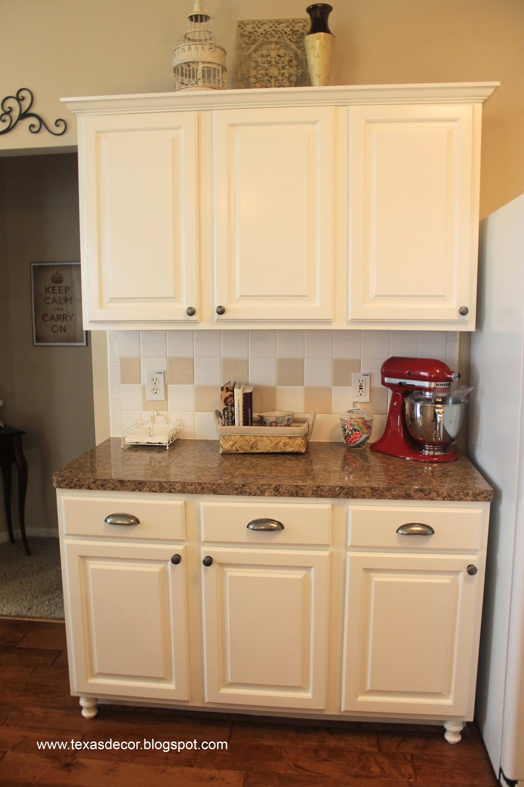 What Color To Paint Kitchen Cabinets With Bisque ...