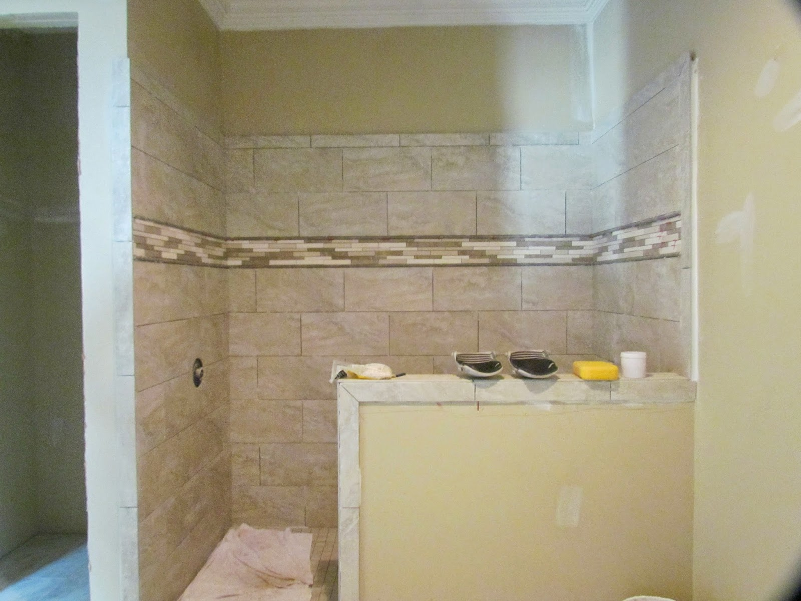 Driftwood Musings: Tile, Wood Trim and Paint Colors