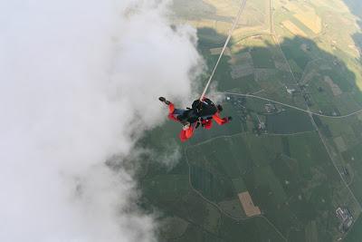 St. Peter-Ording: Fotos eines Tandem-Fallschirmabsprunges über dem ordinger Strand 25