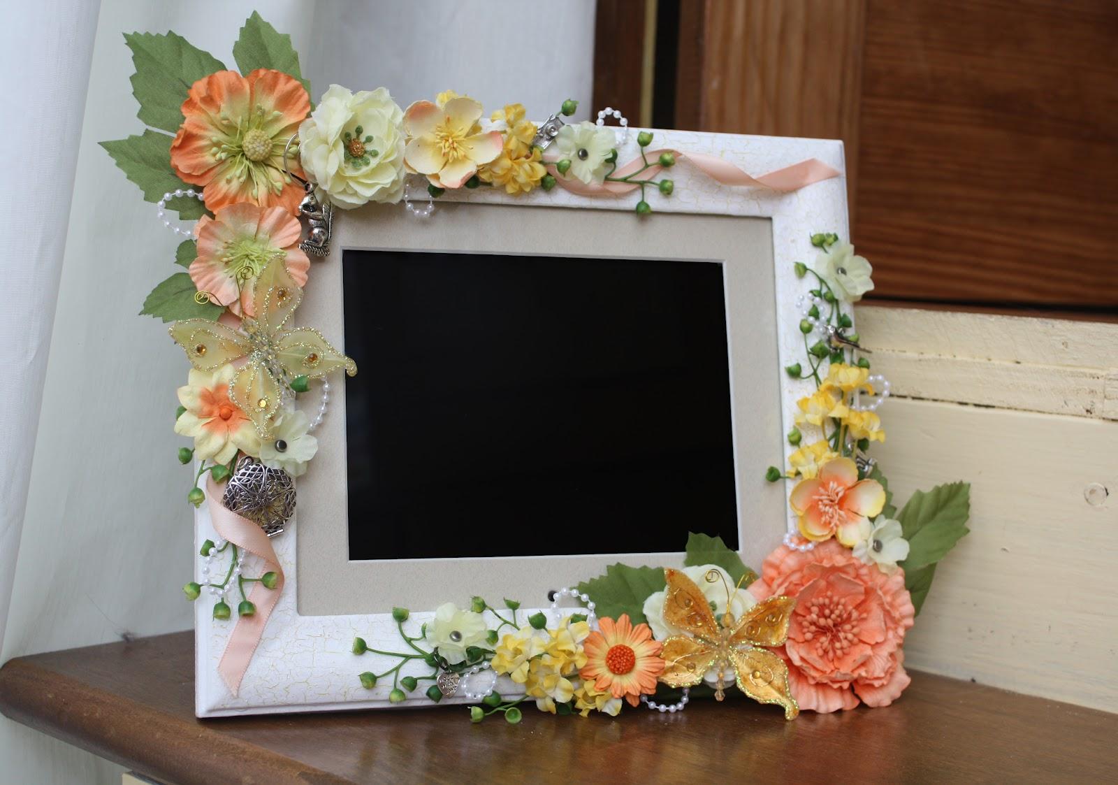 my fmil began decorating her digital photo frame it was so beautiful