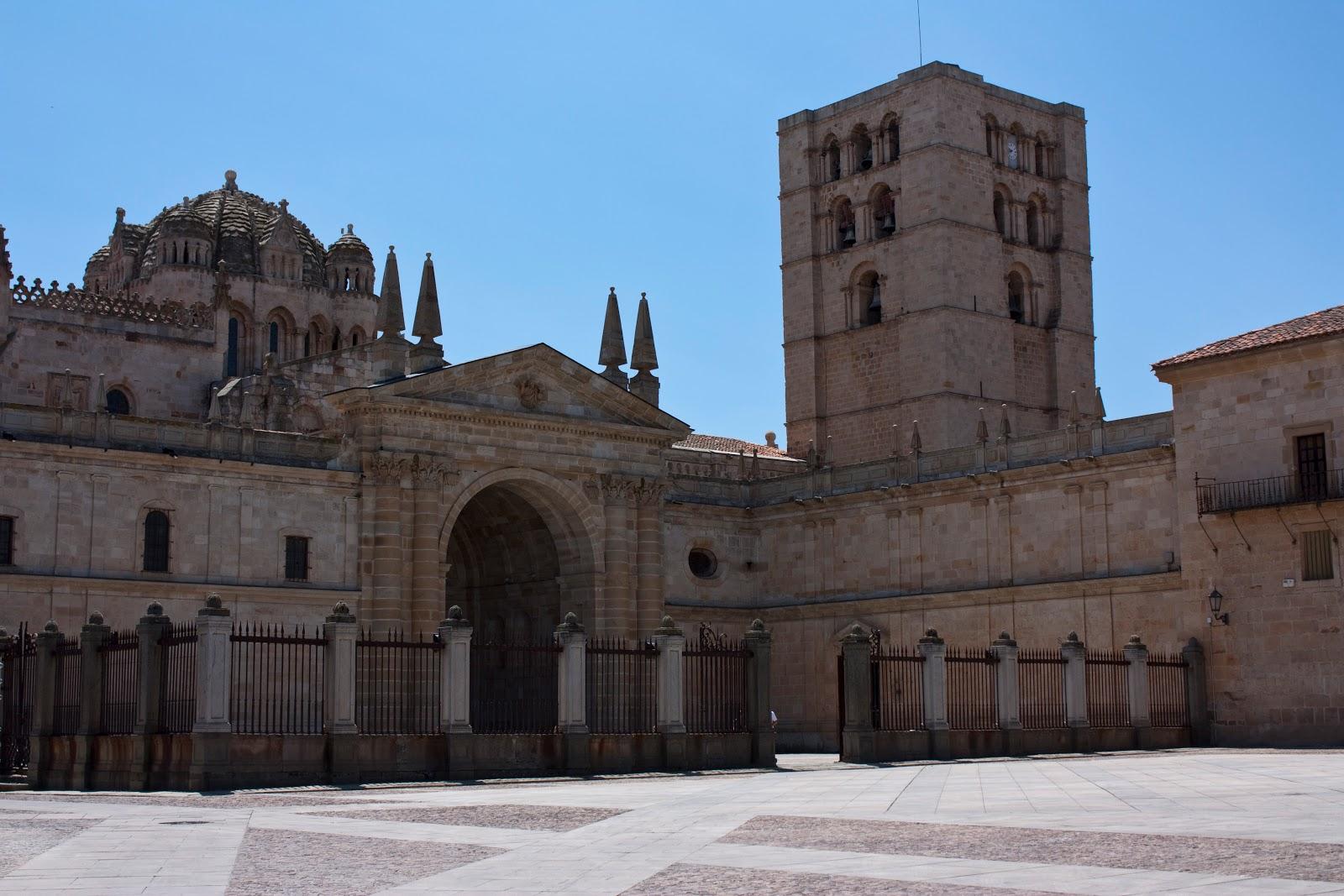 Zamora entre el cielo y el suelo for Catedral de zamora interior