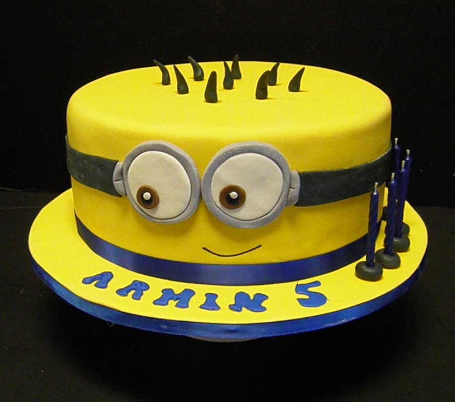 Edita 39 s cakes despicable me minion cake for Minion template for cake