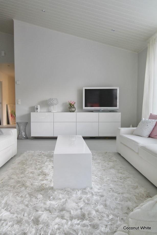 Meidän valkoinen Ikean Bestå tv taso  Coconut White