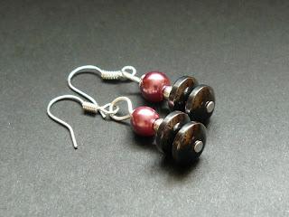 biżuteria z półfabrykatów - onyks i perły (kolczyki)