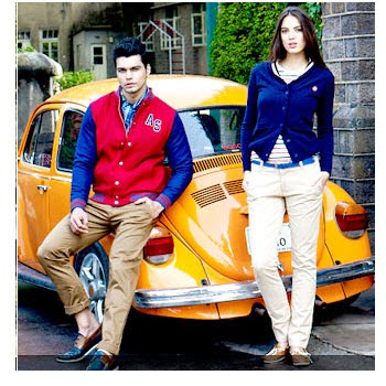 American swan Clothing, Footwears & Accessories upto 60% + Rs. 300 off on Rs. 799