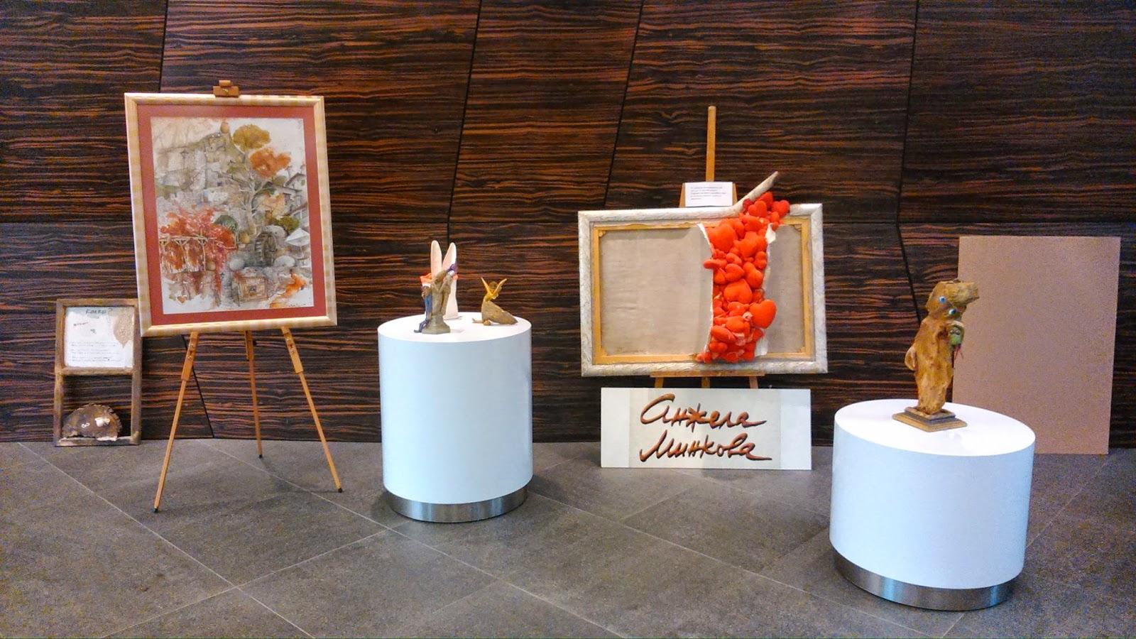 Част от творбите от Арт семестъра - картини и скулптури