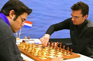 Echecs : Hikaru Nakamura (2789) 0-1 Loek van Wely - Photo © ChessBase