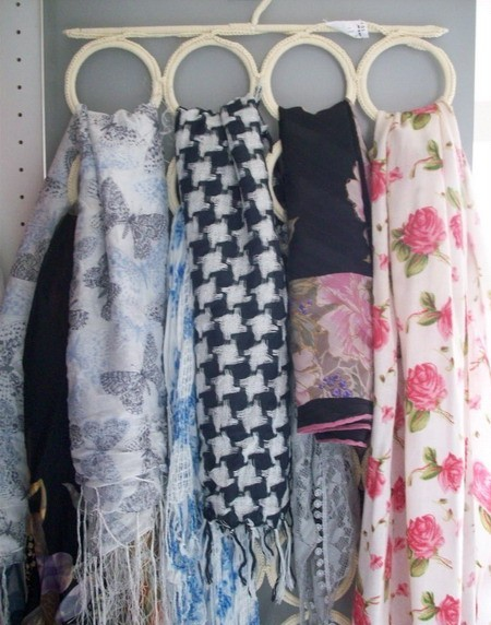 Как хранить платки и шарфы