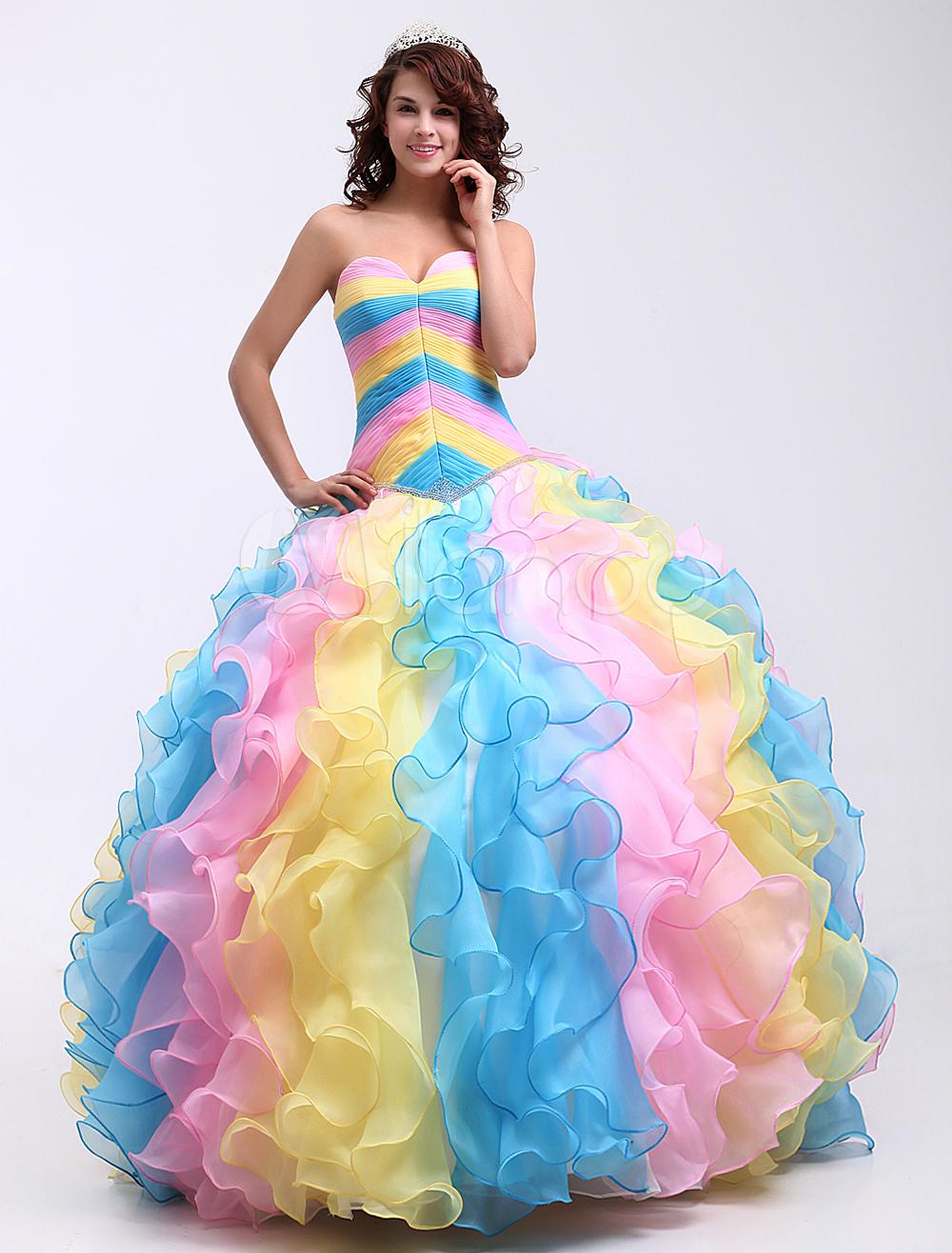 Fotos de vestidos de 15 años modernos | TODA MUJER ES BELLA