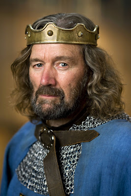 Merlin_S1_Clive_Russell_001.jpg