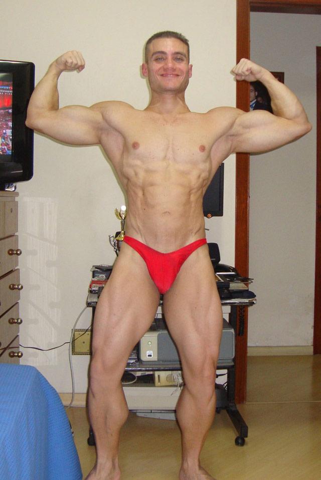Fisiculturista Rodrigo Peixoto exibe shape mais seco e definido. Foto: Arquivo pessoal