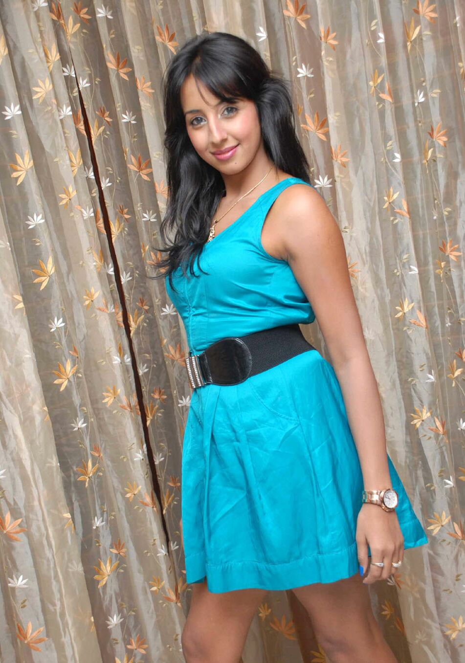 Sanjana Hot Pic - Sanjana Beautiful Photoshoot Pics