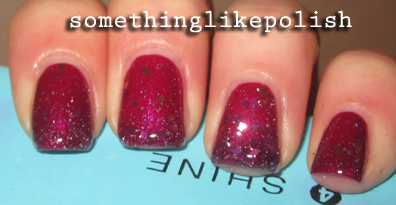 essence hypnotic poison louis glitter nail art