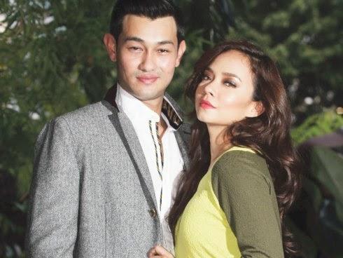 Adegan panas Nora Danish dan Farid Kamil atas katil