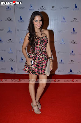 Shazahn Padamsee & Gul Panag at Paris Hilton Bash