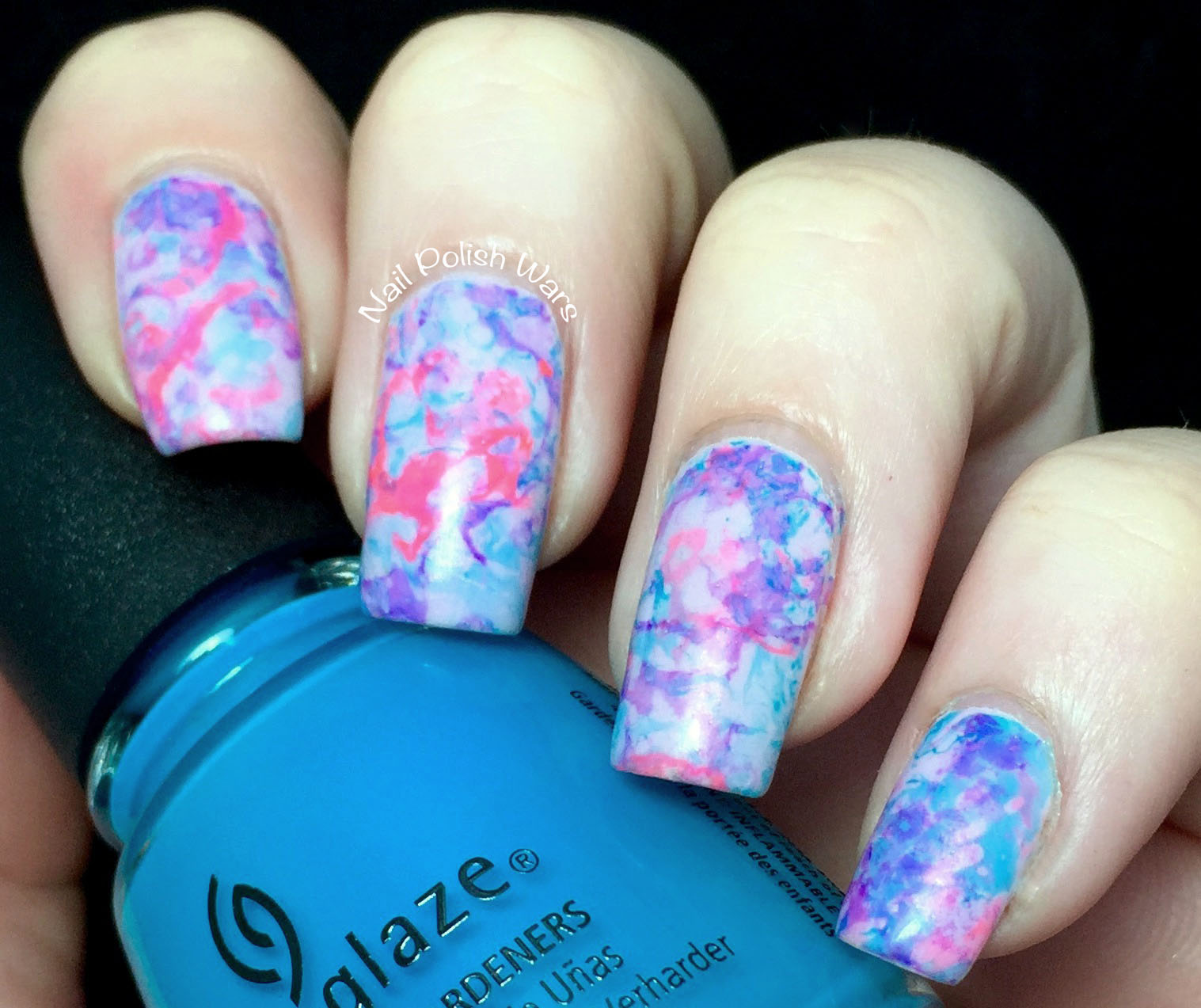 Spray Marble Nails